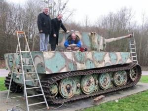 La restauration de notre char Tigre dans A la Une restauration-char-tigre-300x225